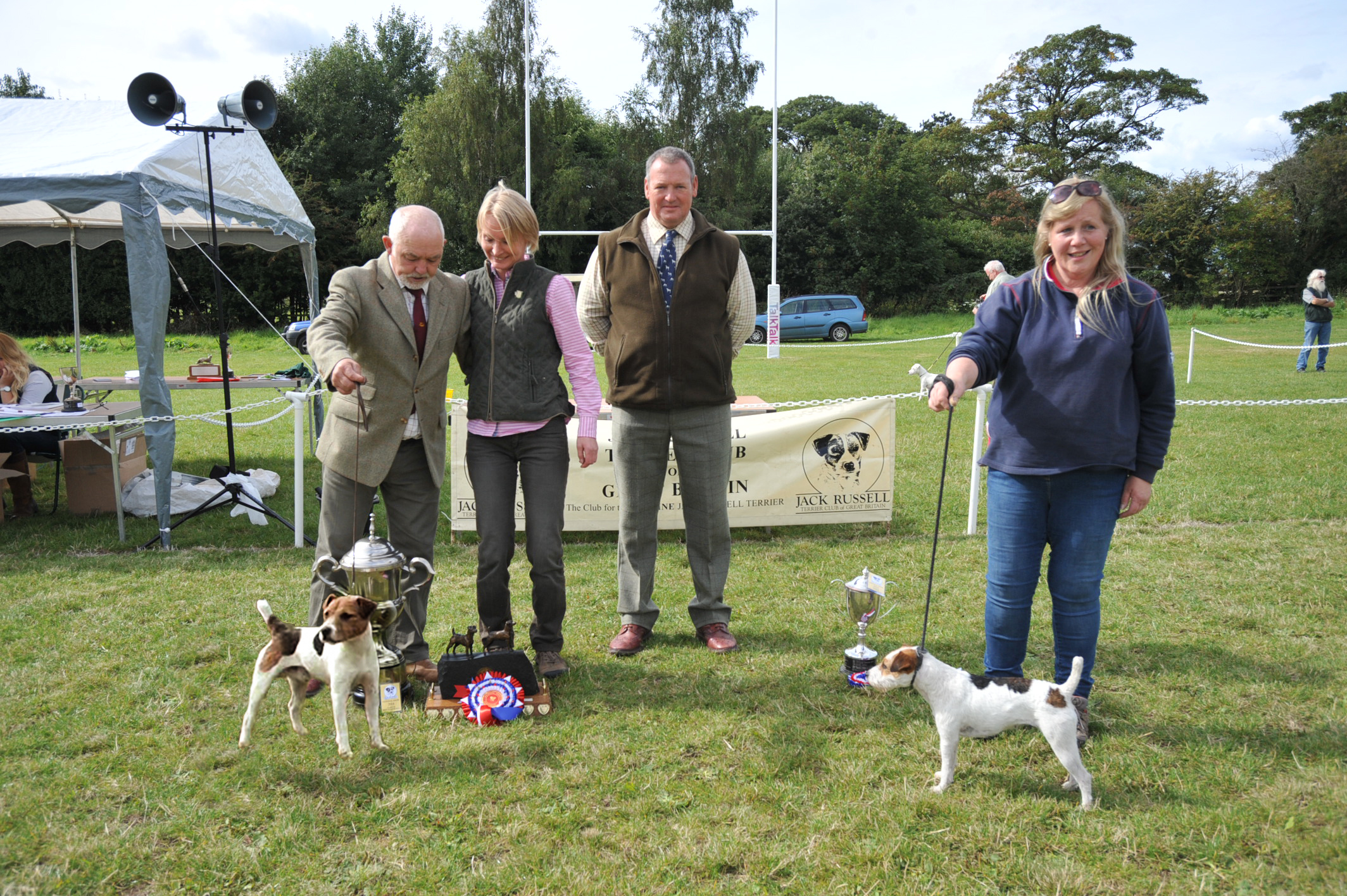 Class 30 JRTCGB 2014 National Show champion Meynell-Sundance Max - G. Mousley & A. Makela |  Reserve Brendon Poppy - Francesca Burrows