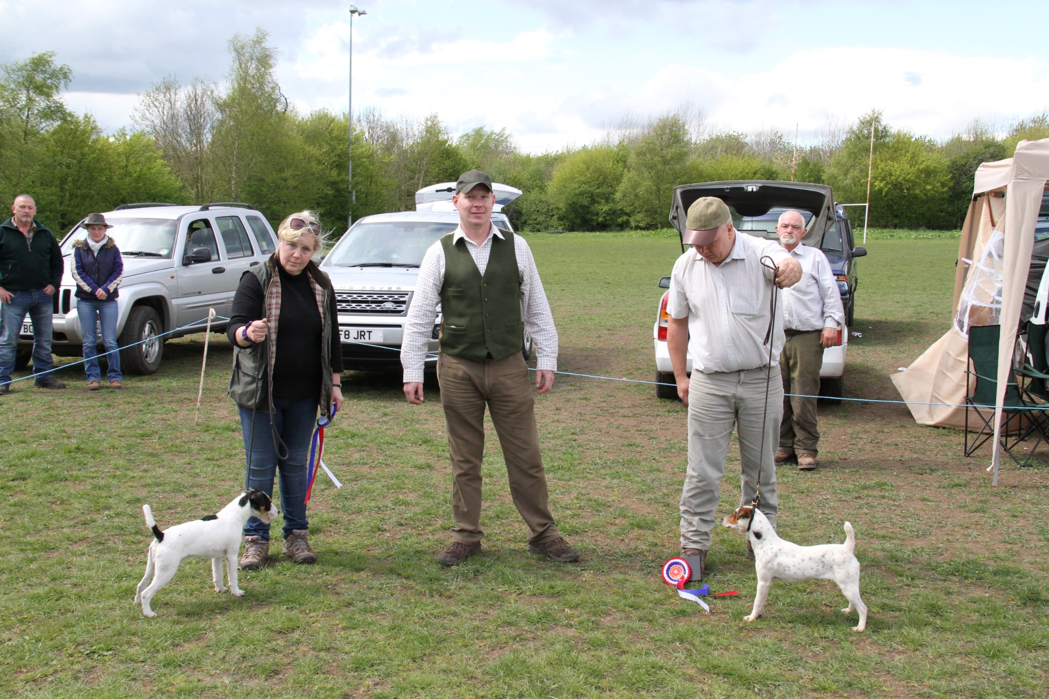 Best puppy Rushill Ellie - M & E Hulme (right) Reserve Brendan Poppy - Francesca Burrows