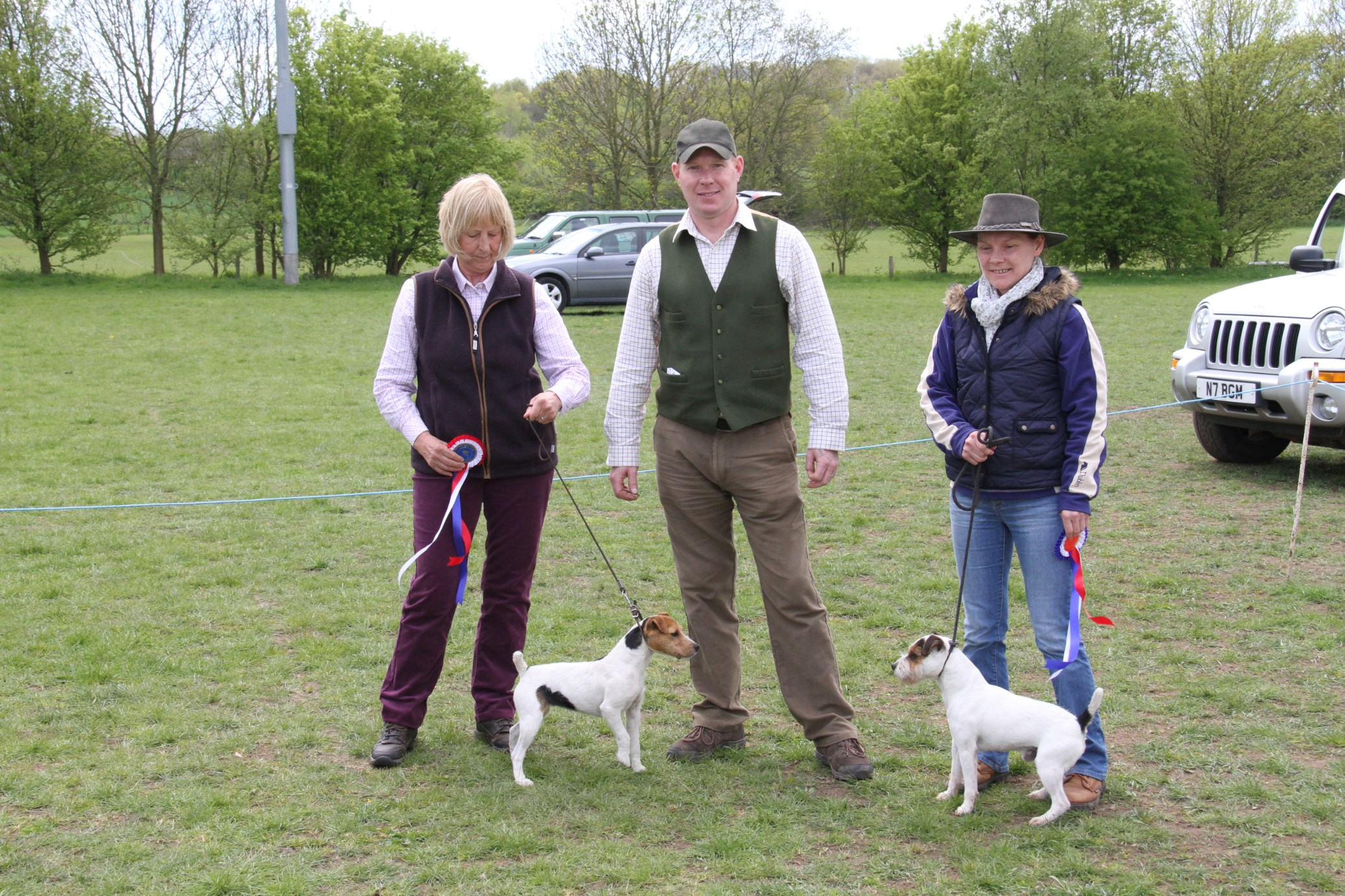 "Best 10 1/2"" - 12 1/2"" Cadella Ida - Jane Massarella (left) Reserve Bicester Sonic - Francesca Burrows"
