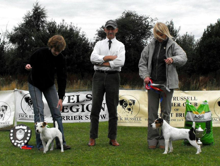 Class 28. Best 10-12.5 ins Terrier | Anu Makela - Sundance Snatch (right) & Reserve Sam Hodges - Radbourne Grub