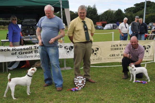 27. Best Puppy (left) and Reserve | Best Puppy (left) D. Mackin - Cuchulann Irish Rebel and Reserve P. Bartlett - Fosseway Trusty